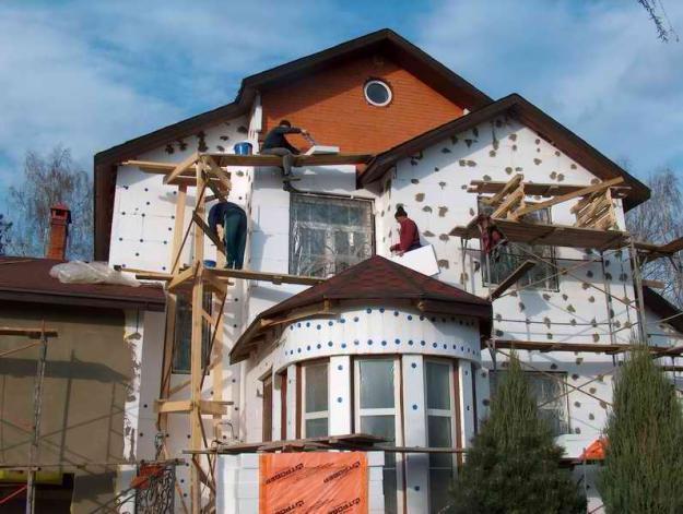 Ремонт фасадов ко дню города