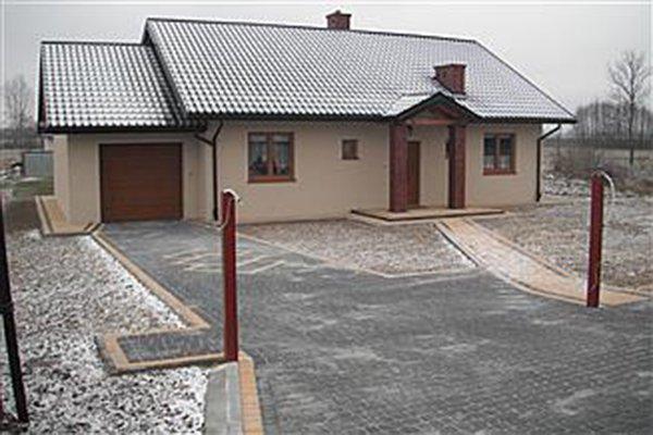 projekt-domu-niezapominajka-z-garazem-fot-7-1474541088-r_pijhbl.jpg